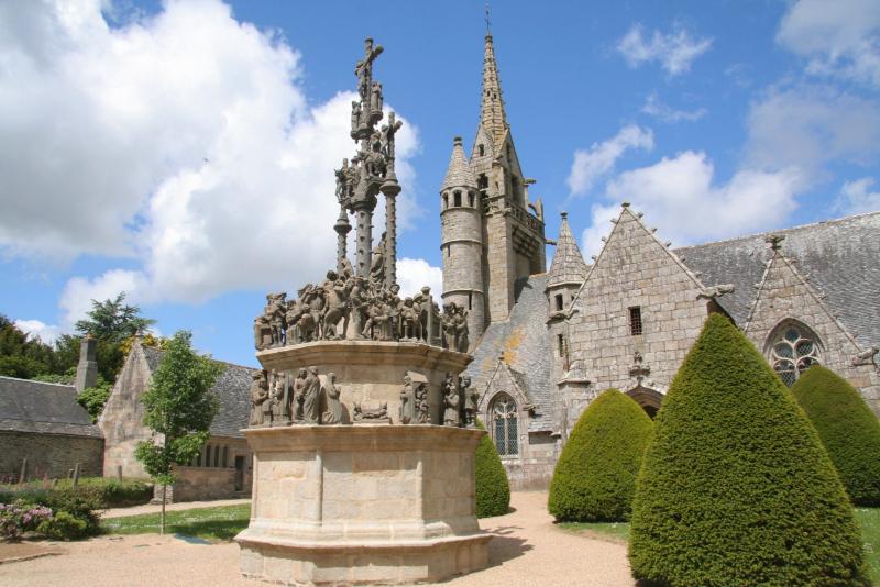 Photo de l'enclos paroissial de Guimiliau Saint Thégonnec Pleyben